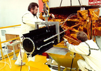 Ulysses' radioisotope generator undergoes a fit check in 1989.
