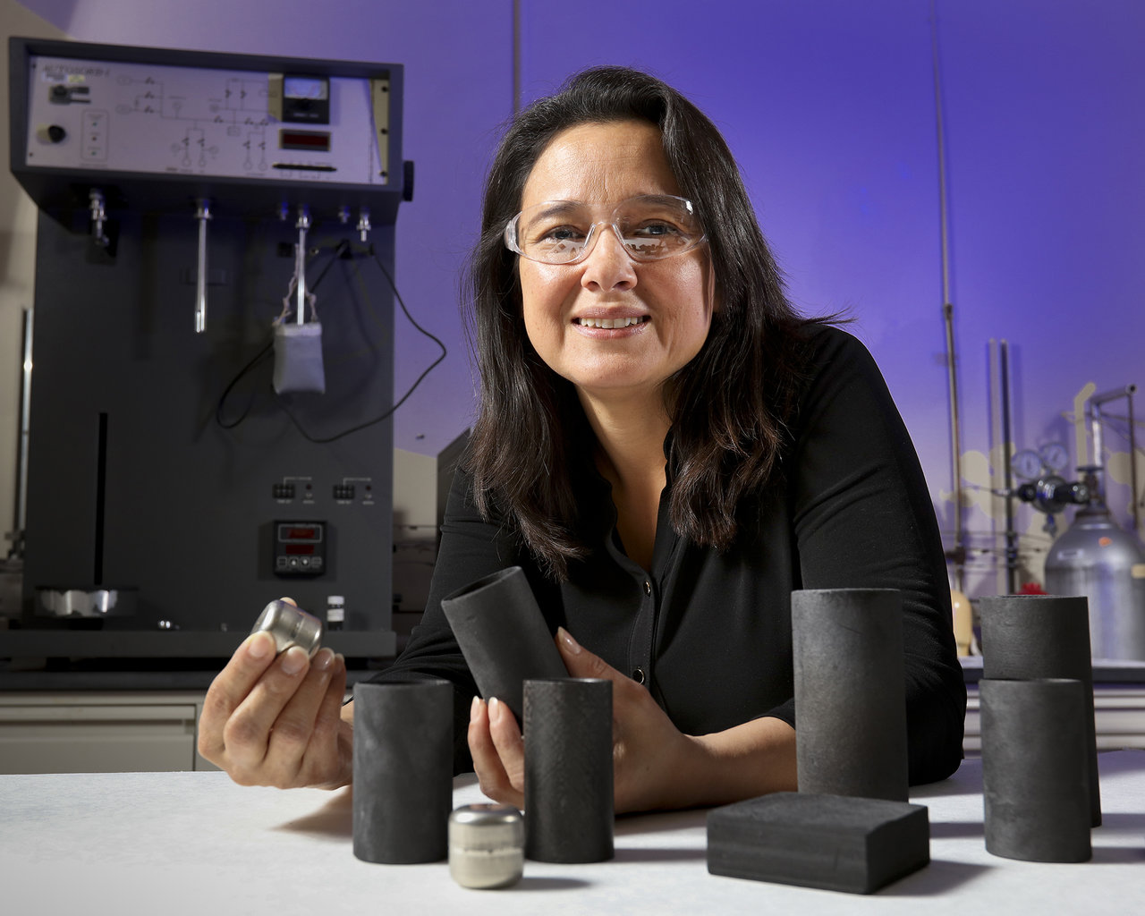 Color image of Nidia Gallego in a lab.
